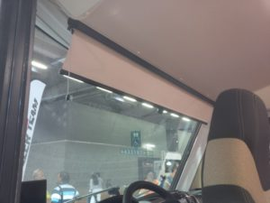 manual scissor rollerblind TN.14.3 on a  camper windshield